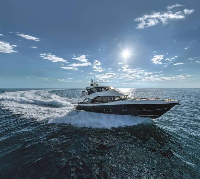 Découvrez les nouveaux MCY 70 et MCY 76 Skylounge: Monte Carlo Yachts